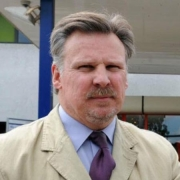 Mr Bruce Sizer